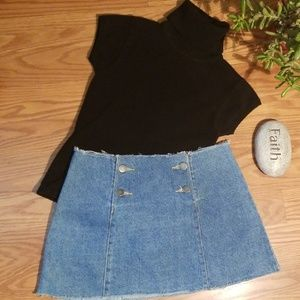 Frenchi sweater an Jean skirt xs